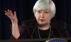 12月17日、イエレン米FRB議長がFOMC後、会見に臨んだ。ワシントンの会場で同日撮影(2014年 ロイター/Kevin Lamarque)
